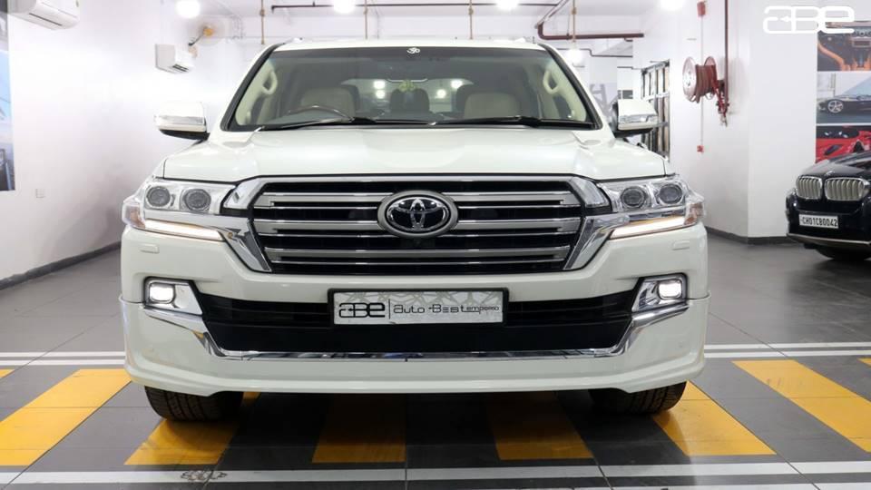 Toyota LAND CRUISER LC 200 VX V8