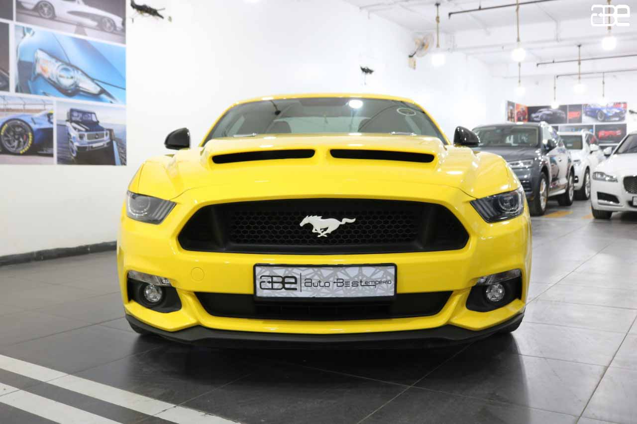 Ford MUSTANG V8 5.0L