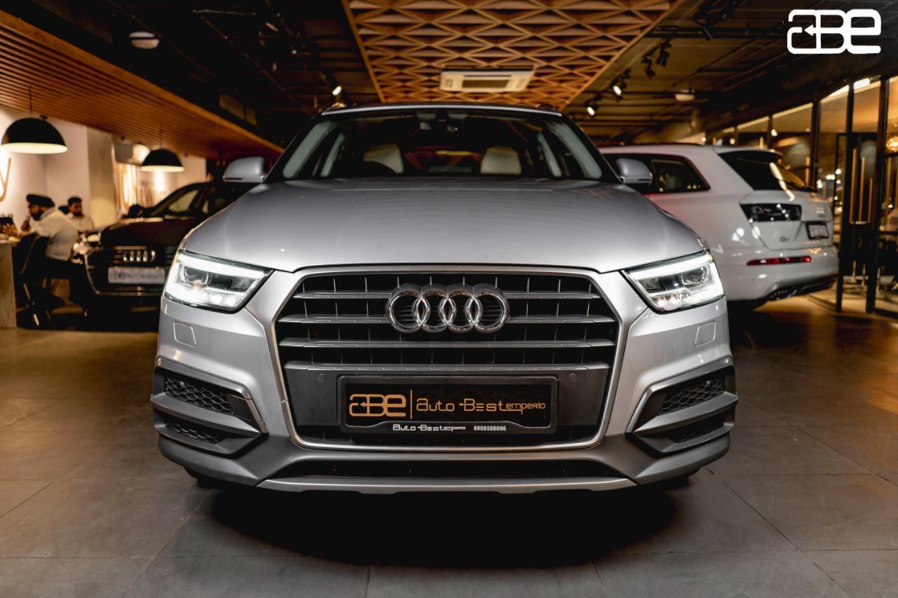 Audi Q3 PREMIUM PLUS 30 TFSI