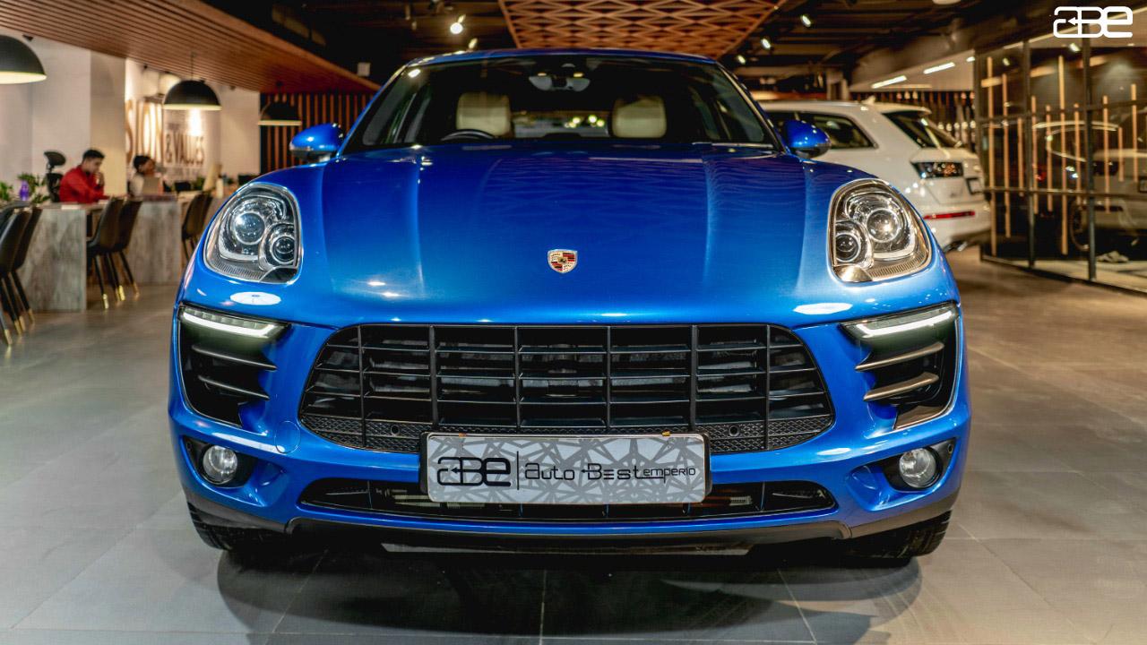 Porsche Macan R-4